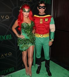 DIY Poison Ivy dress - if only I had the ambition, this would be a cute costume for this year!
