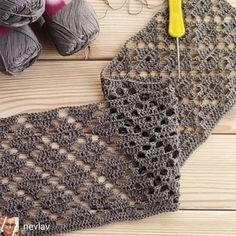 Hand Knitting Women's Sweaters Crochet Doily Rug, Crochet Lace Edging, Crochet Poncho, Filet Crochet, Crochet Scarves, Crochet Clothes, Crochet Hooks, Diy Crafts Crochet, Easy Crochet