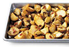 Geroosterde aardappelen met ui, spek en rozemarijn