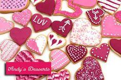 """Galletas en forma de corazón + Taza + Tarjeta especial para el """"Día de los Enamorados"""" http://www.pescatuoferta.com/oferta/detalle/60-off-en-andy-s-desserts-paga-solo-bs-80-por-5-galletas-en-forma-de-corazon-taza-tarjeta-especial-para-el-dia-de-los-enamorados.html"""