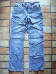A-N-A-Stonewashed-Boot-Cut-Jeans-Size-8-Average