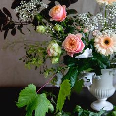 How to clean your flower vases  video   Ikebana  Flower vases and Flower Love the roses in this still life  They are intense and charming  The branch
