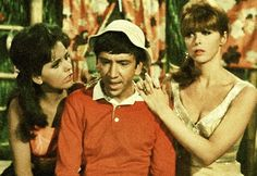 Gilligan's island, anyone else ever watch the re-runs on the stations that play the old TV shows?