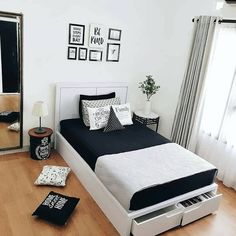 Amazing Small Bedroom Ideas to Create Space The bedroom is not just a place to rest. In this room a person can contemplate, take the time to be silent for Room Design Bedroom, Room Ideas Bedroom, Home Room Design, Small Room Bedroom, Bedroom Furniture Sets, Bedroom Sets, Home Bedroom, Modern Bedroom, Bedroom Decor