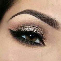 Eye Makeup Tips.Smokey Eye Makeup Tips - For a Catchy and Impressive Look Eye Makeup, Kiss Makeup, Hair Makeup, Makeup Contouring, Airbrush Makeup, Sultry Makeup, Makeup Eyebrows, Dance Makeup, Applying Makeup