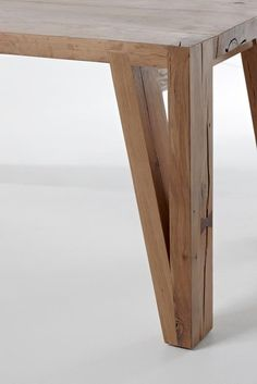 Meyer Von Wielligh Furniture Wooden Tables, Furniture Ideas I love the angles on the table legs! Furniture Projects, Wood Furniture, Wood Projects, Woodworking Projects, Furniture Design, Woodworking Plans, Furniture Plans, Office Furniture, Design Tisch