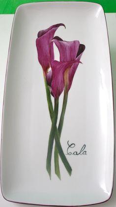 Después de algunos meses sin publicar nada, os presento mi último trabajo.                                           Vajilla compuesta de 10... Painted Plates, Hand Painted, Beautiful Flower Drawings, Paint Your Own Pottery, Ceramic Birds, China Painting, Pottery Making, Ceramic Design, Porcelain Ceramics