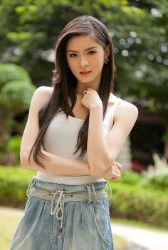 Sweet & charming Filipina Actress Kim Chiu