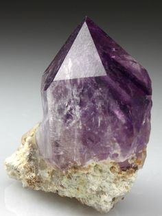 QUARTZ var AMETHYST / Mineral Friends <3