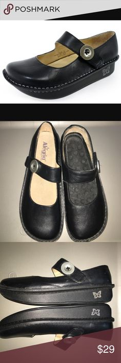 Alegria Paloma black napa maryjanes flats Gently used! But one shoe is missing the insole.leather shoes size 41. See photos for size chart. I found replacement ones anywhere from 10-20dls. Priced low for that reason. See photos for signs of wear. alegria Shoes Mules & Clogs