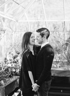 Photography: O'Malley Photographers - omalleyphotographers.com  Read More: http://www.stylemepretty.com/2014/06/24/engagement-session-at-the-seattle-conservatory/