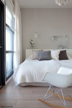 Such clean lines. Dream Bedroom, Home Bedroom, Girls Bedroom, Master Bedroom, Bedrooms, Is White A Color, House Inside, Minimalist Home, My Dream Home