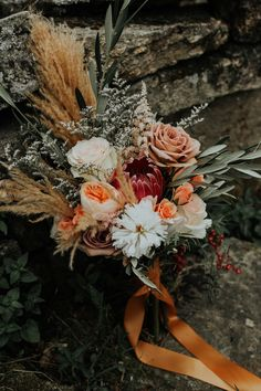 Boho-inspired bridal bouquet with pampas grass coral peonies Image by Gabrielle von Heyking Photographie Fall Bouquets, Fall Wedding Bouquets, Fall Wedding Flowers, Wedding Flower Arrangements, Bridal Flowers, Floral Wedding, Bohemian Wedding Flowers, Bohemian Chic Weddings, Romantic Weddings