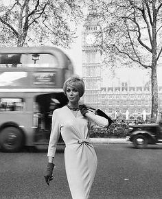 Model Lucinda Hollingsworth in London, 1959