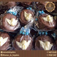✨ Mini pães de mel, com anjinhos de chocolate e tercinhos de lembrancinha ✨ Para informações : maisondubrigadeirobr@gmail.com
