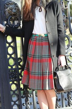 Vintage plaid skirt... have a plaid skirt, no idea how to wear it, this might work