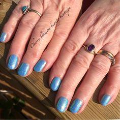 Courtney Shailer uses CND Shellac Azure Wish & Capri Iridescent #glitter to create these lovely #nails #nailart