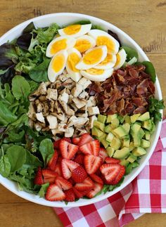 Strawberry Cobb Salad with Balsamic Lime Vinaigrette . This sweet and savory Strawberry Cobb Salad makes a delightful weeknight dinner, or serve it buffet-style for a beautiful dish perfect for summer entertaining! Indian Food Recipes, Real Food Recipes, Vegetarian Recipes, Yummy Food, Healthy Recipes, Drink Recipes, Tasty, Clean Eating, Healthy Eating