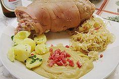 Berliner Eisbein mit Sauerkraut und Erbspüree II - Berlin-style knuckle of pork with sauerkraut and mashed peas (recipe in German)....so craving it!!!