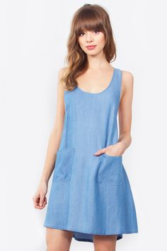 Women's Fashion- Denim Dress- So cute! And it's officially springtime! Denim Fashion, Womens Fashion, 2016 Fashion Trends, Chambray Dress, Women's Fashion Dresses, Dress Skirt, Summer Dresses, Clothes For Women, Daisy