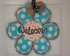 Daisy Flower Welcome Wood Door Hanger Sign by AngelenesCollection Wooden Door Signs, Wooden Doors, Wooden Flowers, Large Flowers, Wire Hangers, Door Hangers, Spring Door, Cute Crafts, Deco