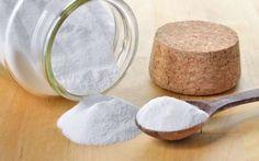 Πώς να καθαρίσετε το στρώμα του κρεβατιού σας! Απαλλαγείτε από τα ακάρεα που «περπατούν» πάνω του! - healingeffect.gr Melanie Wenzel, Brushing With Baking Soda, Baking Soda Substitute, Baking Soda Benefits, Ard Buffet, Sodium Bicarbonate, Peeling, Natural Deodorant, Apple Cider Vinegar