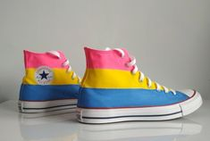 Custom handpainted rainbow shoes pansexual flag Converse custom shoes pansexual shoes Source by Pride Shoes, Pansexual Flag, Rainbow Shoes, Rainbow Clothes, Pride Outfit, Lgbt Love, Look Fashion, Fashion Outfits, Girly Outfits