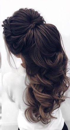 Coiffure De Mariage : Featured Hairstyle: Elstile Wedding Hairstyles and Makeu… Best Wedding Hairstyles, Party Hairstyles, Bridal Hairstyles, Hairstyle Wedding, Hairstyles Men, Modern Hairstyles, Wedding Makeup Tips, Bridal Makeup, Wedding Nails