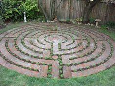 walking labyrinth garden mosaic - Google zoeken                                                                                                                                                      More
