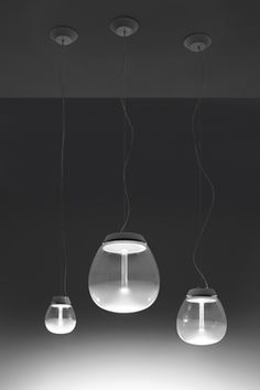 Empatia is born from the association between the great tradition of glass-blowing and the LED technology of Artemide.