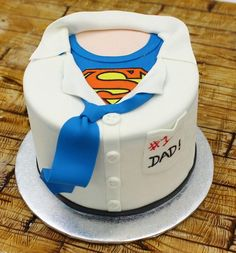 Super Dad fathers day day diy day food ideas day gifts from kid day cake day crafts Birthday Cakes For Men, Funny Birthday Cakes, Birthday Cake For Husband, Daddy Birthday, Cakes For Boys, Happy Fathers Day Cake, Fathers Day Cupcakes, Supergirl Cakes, Superman Cakes