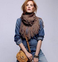 Snood-sjaal met franjes van phildarwol om te breien