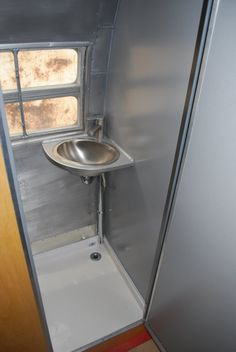 Google Image Result for http://www.gsmvehicles.com/images/Photo%2520Galleries/Refurbish/bathroom.JPG