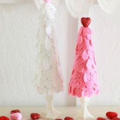 Felt Heart Valentine Trees {Valentines Decor DIY}