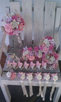 Folded Paper Flowers, Paper Flower Wreaths, Paper Rosettes, Paper Flowers Wedding, Tissue Paper Flowers, Paper Bouquet Diy, Paper Flower Centerpieces, Diy Paper, October Bouquet