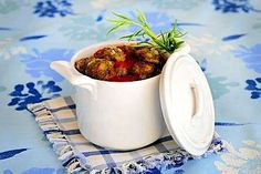 Ruokamatka Kreikkaan: * Lihapullat punaviinikastikkeessa - Ruokalan reseptit - Ilta-Sanomat