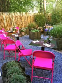 Backyard Party Ideas - spraypaint your folding chairs!