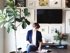 Rifle Paper Co Office Tour. Peek inside the office of Rifle Paper Co and get a behind the scenes glimpse of creator Anna Bond's daily life! Anna Bond, Decor Inspiration, Decor Ideas, Office Plants, Rifle Paper Co, Where The Heart Is, Interiores Design, Living Spaces, Living Rooms