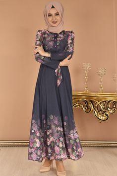 modamerve - Dijital Baskı Desen Çiçekli Elbise Lacivert EİG 4502 (1) Stylish Dresses For Girls, Stylish Dress Designs, Modest Dresses, Casual Dresses, Girls Dresses, Islamic Fashion, Muslim Fashion, Abaya Fashion, Fashion Dresses