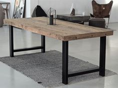 A large and sturdy wooden table with delicious patina! NATURE WOOD … – Tables and desk ideas Metal Base Dining Table, Wooden Table Top, Wooden Dining Tables, Large Table, Bbq Table, Patio Table, Diy Outdoor Furniture, Paint Colors For Living Room, Apartment Interior