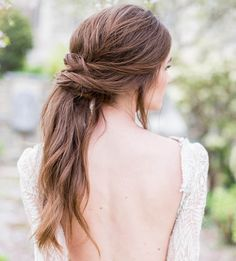 The Wrapped Pony Tail. Looking for the perfect & for your Big Day? Check out these 18 elegant examples of super relaxed and oh-so-romantic summer wedding hairstyles! Bridal Ponytail, Ponytail Updo, Twist Ponytail, Ponytail Ideas, Knotted Ponytail, Ponytail For Wedding, Bridesmaid Hair Ponytail, Updo Curly, Elegant Ponytail