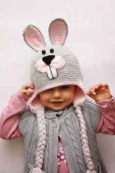Baby Beanie Knitting Models,, We have prepared beautiful models. Baby beanie knitting patterns but you can increase the number according to the age group Crochet Animal Hats, Crochet Kids Hats, Baby Girl Crochet, Baby Hats Knitting, Knitted Hats, Poncho Crochet, Bonnet Crochet, Crochet Cap, Crochet Beanie