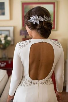 Tiara de hojas de lentejuelas plateadas mate de Ani Bürech ¡Ideal!  #headpiece #novia #bride