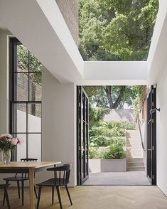 Simple, sleek and relaxed elegance - a wonderful project to have been involved in. The Tower House in Islington. A terraced garden with a. Home Interior Design, Exterior Design, Interior And Exterior, Architecture Design, Garden Architecture, Tower House, Courtyard House, The Design Files, House Extensions