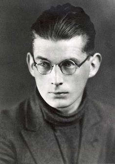 Samuel Barclay Beckett (Foxrock, Dublin, 13 april 1906 — Parijs, 22 december 1989) was een Ierse (toneel)schrijver en dichter.