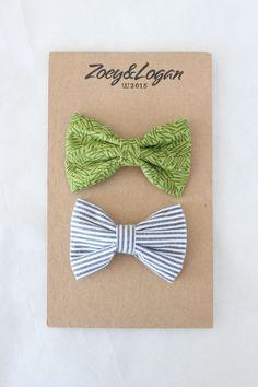 baby//girl black /& silver glitter ribbon bow with a diamante detail hair clip
