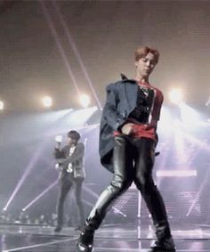 Jimin why are you this sexy and then those hot movements, ohhhh lord! Bts Jimin, Jimin Hot, Bts Bangtan Boy, Bts Gifs, Kpop Gifs, Yoonmin, Bts Would You Rather, Bts Memes, Park Shin
