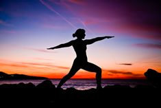 Discover several yoga poses for thyroid problems designed to help you relieve stress and stimulate your thyroid to produce the proper hormones. Easy to do.