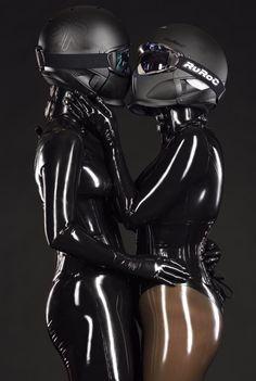 Models: Redsky & Cat Atonia  Photo: EigenART fotographie