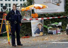 """Candidata da CDU à câmara de Colónia esfaqueada por apoio aos refugiados  Henriette Reker foi atacada na véspera das eleições. O agressor disse à polícia que o seu motivo foi o """"ódio aos estrangeiros""""."""